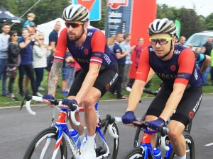 s-2016_Tour_of_Britain_(7b_Lap_5)_021_Bradley_Wiggins_and_023_Owain_Doull