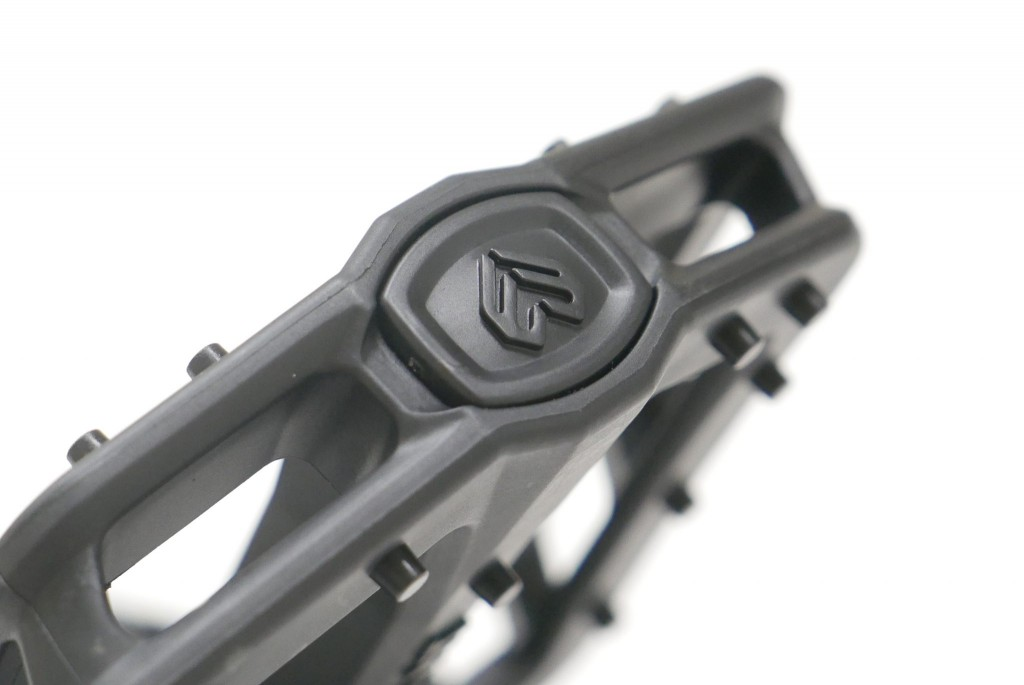 Eclat_centric_pedal_black_07-scaled